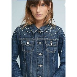 Jean jacket with pearl embroidered